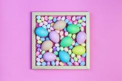 Pastellfärgade påskägg för färgrika blandade format fotografering för bildbyråer