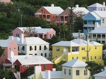 Pastellfarbhäuser von den Bermudas stockbild