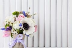 Pastellfrühlingsblumenstrauß Lizenzfreies Stockfoto