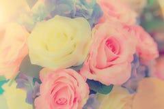 Pastello del mazzo di celebrazione delle rose della molla di disposizioni di fiori Fotografia Stock Libera da Diritti