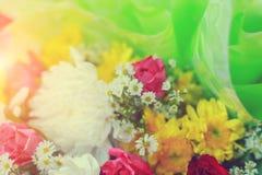 Pastello del mazzo di celebrazione delle rose della molla di disposizioni di fiori Immagine Stock Libera da Diritti