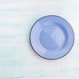 Pastelowego koloru naczynia odgórnego widoku ceramiczny półkowy tło fotografia royalty free