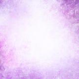 Pastelowy purpurowy tło z białym chmurnym centrum copyspace Fotografia Royalty Free