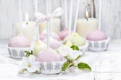 Pastelu tort strzela w romantycznym wiosna secie Zdjęcie Stock
