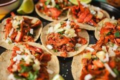 Pasteur d'Al de Tacos, taco mexicain, nourriture de rue ? Mexico photo libre de droits