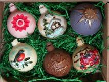 Pasticcerie casalinghe deliziose Cioccolato scuro e al latte Decorazione di Natale nel chocolat fotografia stock libera da diritti