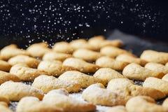 Pasticcerie di Chrismas & zucchero in polvere Immagine Stock