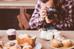 Pasticcerie dolci casalinghe del forno di fotografia dell'alimento immagine stock libera da diritti
