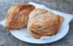 Pastizzi,典型的街道食物马尔他与乳清干酪和豌豆 免版税库存图片