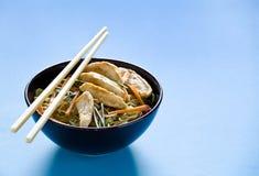 Pasto cinese del pollo con Copyspace Fotografia Stock Libera da Diritti