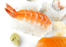 Pasto dei sushi sulla zolla bianca Immagini Stock Libere da Diritti