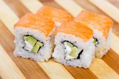 Pasto del Giappone del rotolo del giapponese dei sushi fresco Immagine Stock Libera da Diritti
