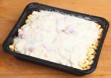 Pasto della convenienza della pasta pronto per cuocere Immagine Stock