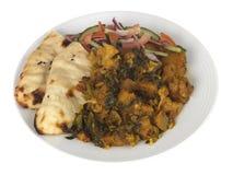 Pasto di Aloo Gobi Saag con insalata Fotografia Stock Libera da Diritti