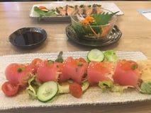 Pasto giapponese Sashimi e ravanello del tonno alga Salmoni Immagini Stock Libere da Diritti