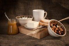 Pasto sano con pane, cereali Fotografia Stock Libera da Diritti