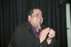 Pastorn utför under en kristen konsert i Bronxen NY Arkivfoton
