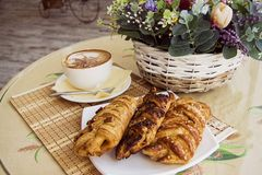 Pastry  and cappucino Royalty Free Stock Images