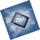 Pastylka komputer osobisty lub mądrze telefon na biznesowym cyfrowym dotyka ekranie, światowa mapa, szczęśliwy nowego roku 2016 p Fotografia Stock