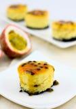 Pasyjnej owoc cheesecake Zdjęcia Royalty Free