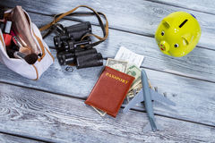 Paszport i zabawkarski samolot fotografia royalty free