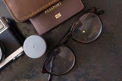 Paszport z ekranową kamerą, wycieczek turysycznych przygotowania obrazy stock