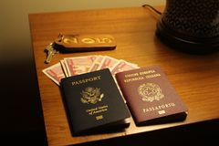 Paszporty na stole w Myanmar obraz stock