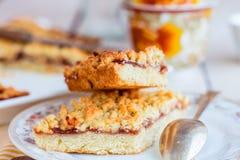 Pasztetowy ciasto z jabłczanym dżemem i filiżanką herbata Zdjęcia Stock