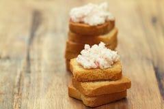 Patè dei frutti di mare con i pani tostati Immagini Stock