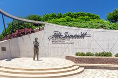 Pat Summitt Memorial Statue em University of Tennessee fotos de stock