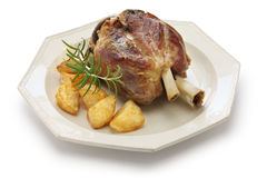 Pata com batatas roasted, culinária italiana da carne de porco Fotografia de Stock