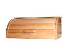 Pata do ` s do gato do gengibre que cola fora de uma caixa de madeira do pão isolado sobre imagens de stock royalty free