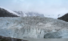 Patagonian landschap met gletsjer argentinië 3d zeer mooie driedimensionele illustratie, cijfer Stock Afbeeldingen