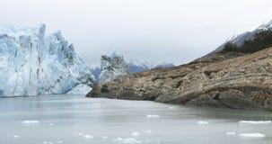 Patagonin-Landschaft mit Gletscher und Felsen argentinien Stockbild