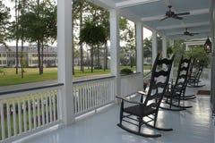 Patamar e cadeiras foto de stock royalty free