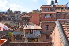 Patan,尼泊尔, 2013年10月, 09日,尼泊尔场面:没人, Patan的古老中心 在可以2015部分地被毁坏的正方形 免版税库存图片