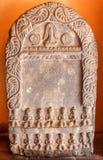 Patan,尼泊尔- 2016年11月02日:陈列在Patan博物馆的石题字在Patan,尼泊尔 库存图片