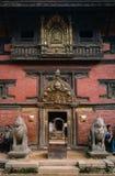 Patan museum på Patan Durbar fyrkantlokal royaltyfri bild
