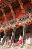 PATAN NEPAL: Arkitektonisk detalj av en tempel på den Durbar fyrkanten Arkivfoto