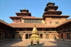 PATAN, NEPAL: O pátio de Royal Palace no quadrado de Durbar fotografia de stock royalty free