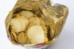 Patata Chips Packed en bolsos preparados Imágenes de archivo libres de regalías