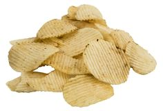 Patata ondulata corrugata Chips Isolated su fondo bianco fotografie stock