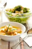_ patata poner crema sopa Imágenes de archivo libres de regalías