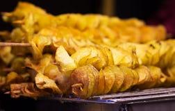 Patatas cocidas en pinchos Fotografía de archivo libre de regalías