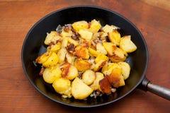 Patatas de la carne asada Imágenes de archivo libres de regalías