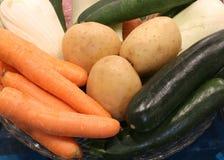 patatas del calabacín de las verduras frescas y zanahorias e hinojo anaranjados Fotos de archivo