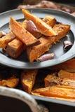 Patatas dulces orgánicas Imágenes de archivo libres de regalías
