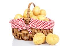 Patatas en la cesta Foto de archivo libre de regalías
