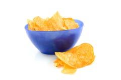 Patatas fritas boloñesas en tazón de fuente azul fotos de archivo