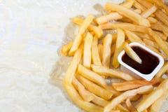Patatas fritas con la salsa de tomate imagen de archivo